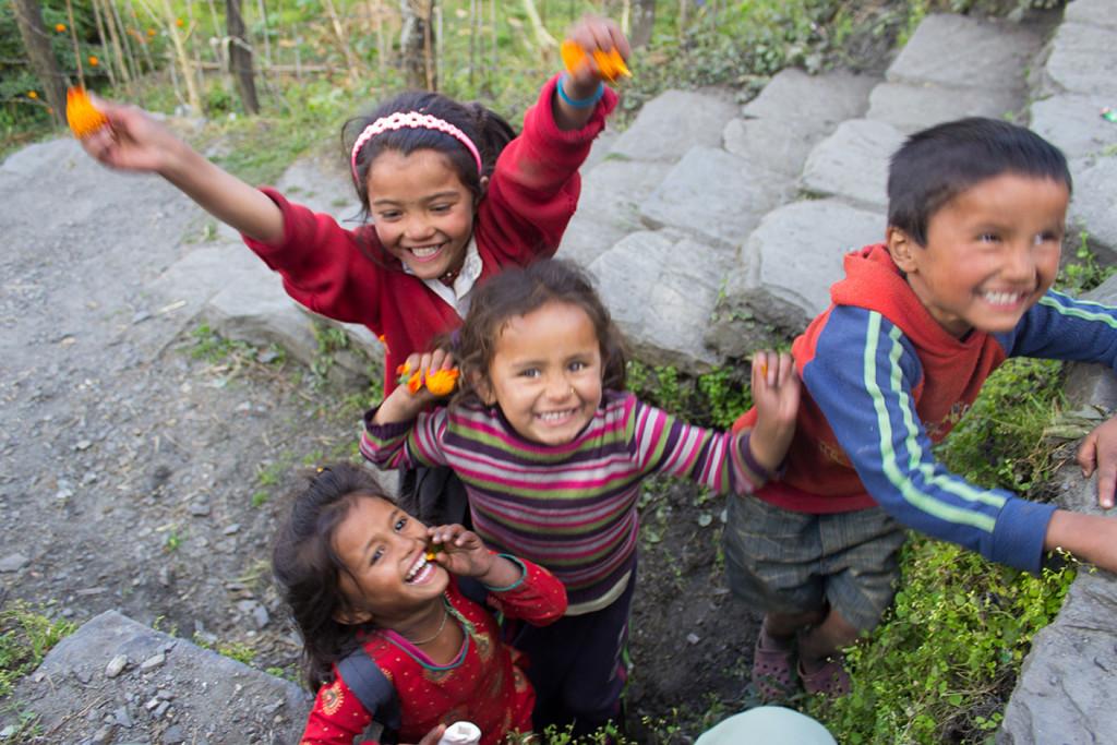 Nens al Nepal, el país dels somriures